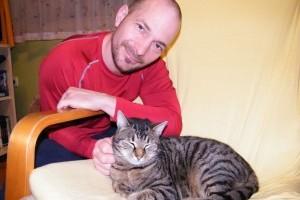 Macskabőrbe bújt kutyával él együtt Vadon Jani
