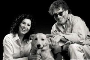 Árva és sérült kutyákért kampányolnak a művészek