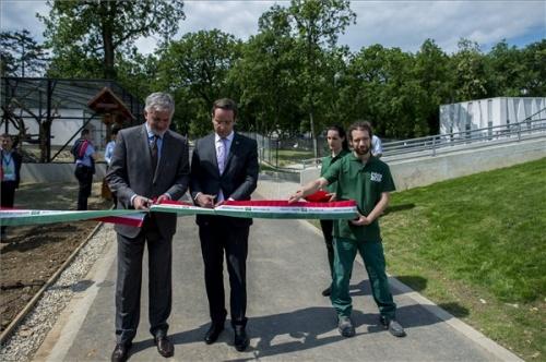 Pécsi állatkert megnyitó