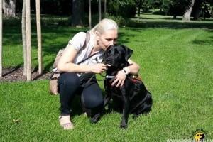 Ion, a vakvezető kutya magabiztosságot ad gazdájának