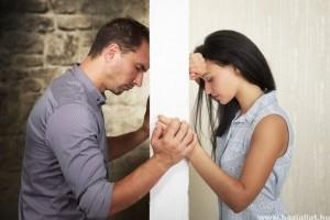 A krízishelyzetek megerősítik, vagy gyengítik a kapcsolatokat? (x)