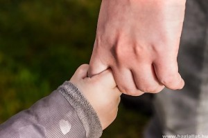 Miképp nyújthatunk segítséget gyermekünknek a gyász feldolgozásában? (x)